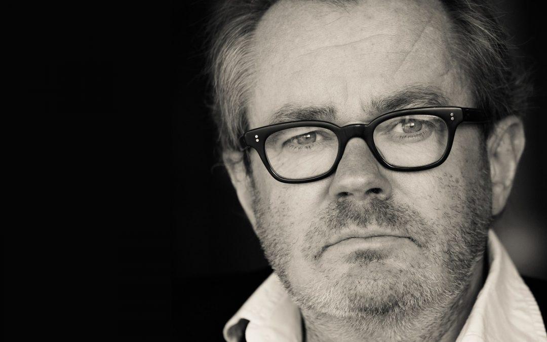 Interview over het financieel systeem met George van Houts, theatermaker